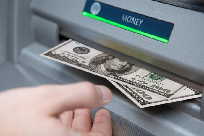 Снять доллары со Skrill в России, все варианты